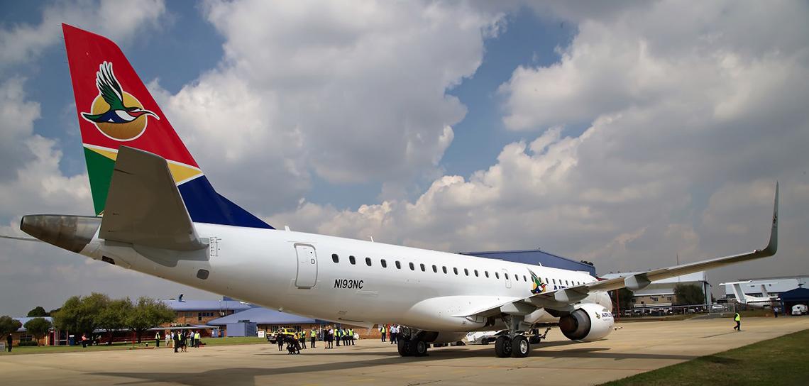 Embraer ERJ 190 AR images